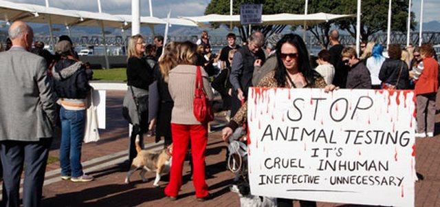 Protesto contra testes em animais